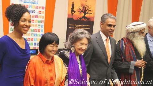 国際ヨガデーの特別ゲストとして、国連本部にて世界平和のスピーチ